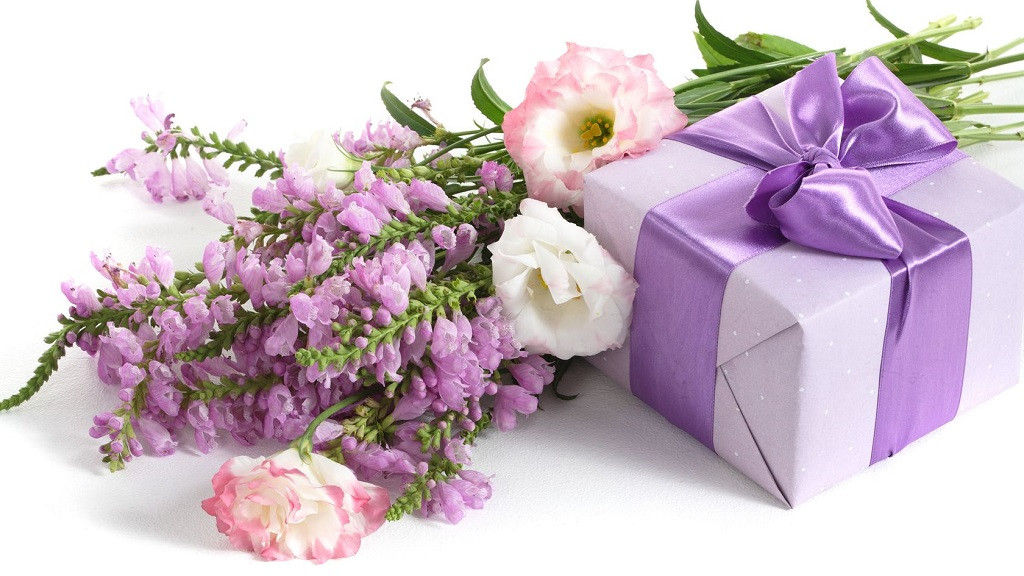 Три самых желанных подарка на 8 марта